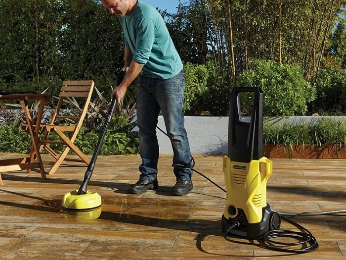pressure-washer-floor