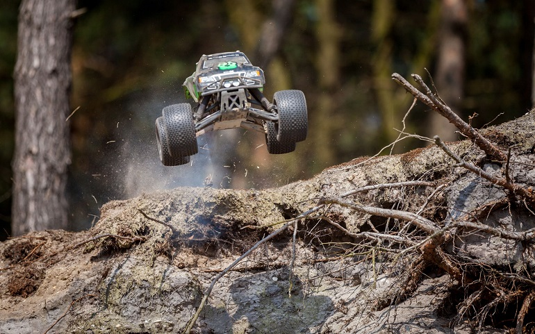 rc vehicle in dirt