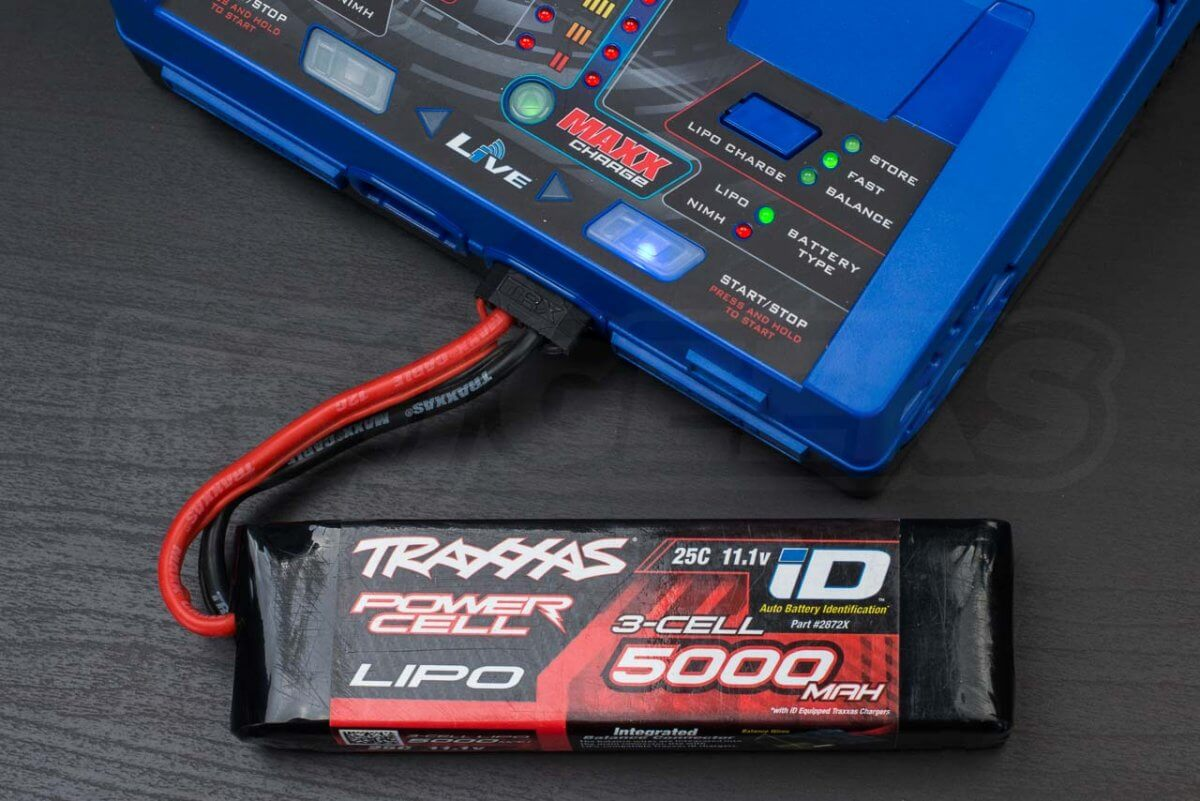 How-to-charge-rc-battery-batteries-guide-traxxas-Lipo-charging